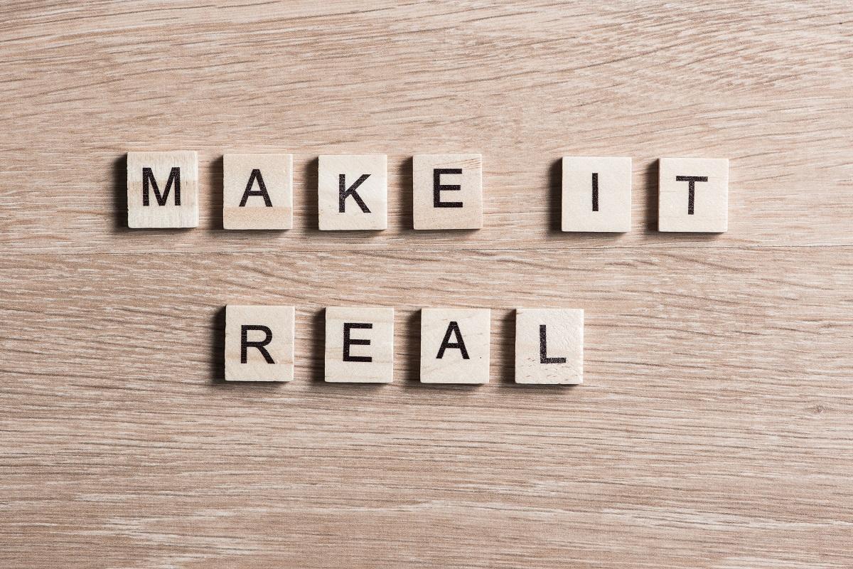 motywacja-do-dzialania-napis-make-it-real