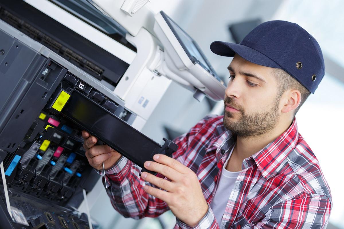 naprawa-laptopa-ktory-nie-widzi-drukarki